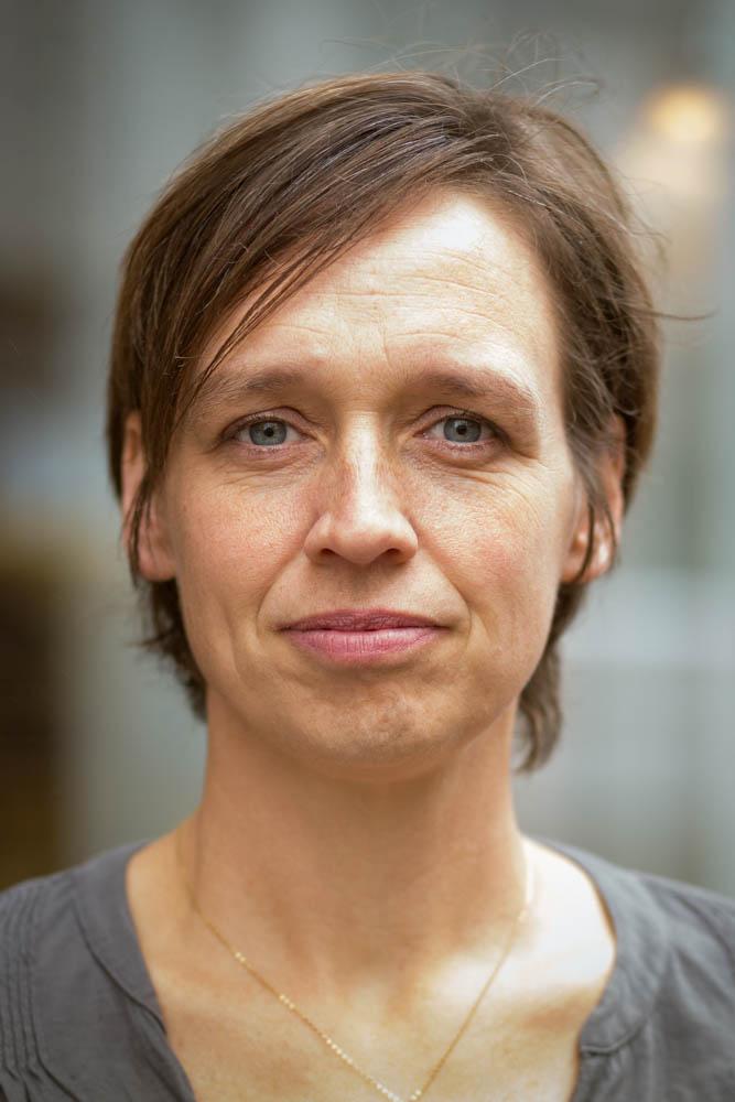 julia-van-der-waerden-portrait